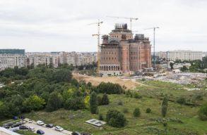Speciális áldás is jár a fizu mellé a Nemzet Megváltásának Katedrálisa építõinek