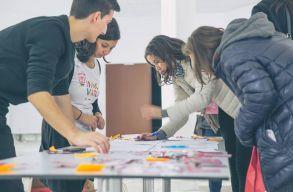 Középiskolások mutatták be innovatív megoldásaikat Kolozsvár problémáira