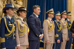 Új egyenruhát kapnak a romániai katonák: megnézheted most, hogy milyen lesz
