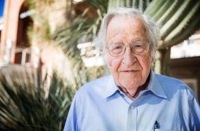 Noam Chomsky 90 éves
