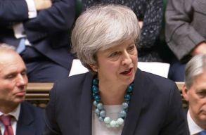 Theresa May állítólag megígérte, hogy nem õ vezeti a Konzervatív Pártot a következõ választásokon