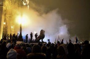 Pénteken is tüntettek Budapesten a rabszolgatörvény ellen