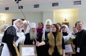 Az lesz az Antikrisztus, aki uralni tudja az okostelefonokat és az internetet, állítja Kirill pátriárka