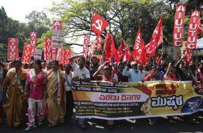 Minden idõk legnagyobb sztrájkja zajlik Indiában