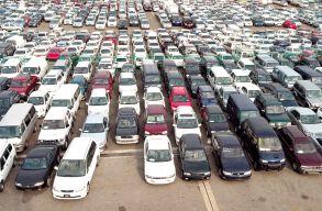 Tavaly sokkal kevesebb használt és sokkal több új autót írattak forgalomba, mint tavalyelõtt