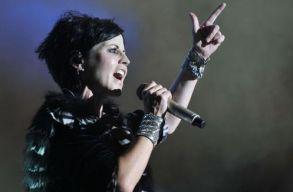 Új dallal jelentkezett a The Cranberries egykori énekesnõjük halálának évfordulóján