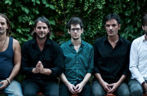 Új dalokkal érkezik Kolozsvárra a Kistehén