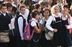 A tanügyminiszter módosítaná az iskolai év struktúráját