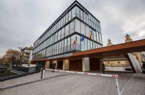 Két éven belül felépülhet a kifogásolt sportkomplexum a kolozsvári kétágú templom mellé