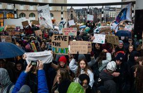 Romániában is csatlakoztak a környezetvédõ diákok pénteki globális demonstrációjához