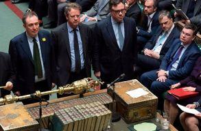 Támogatta a londoni alsóház a Brexit halasztásáról szóló kormányzati kezdeményezést