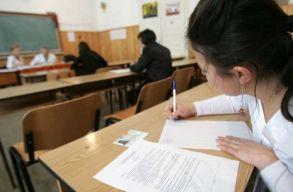 Kisebbségügyi államtitkár: nem használ a diákoknak a próbavizsgák miatti tiltakozás