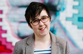 Fiatal oknyomozó újságíró halt meg egy észak-írországi terrorcselekményben