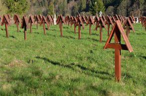 Kihallgatták a rendõrségen Csíkszentmárton alpolgármesterét az úzvölgyi temetõben történtek miatt