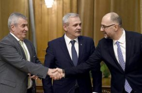 Az RMDSZ és a kormánykoalíció szakításáról cikkezik a román sajtó
