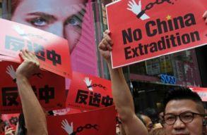 Kínai szökevények kiadatását megkönnyítõ törvényjavaslat ellen tüntetnek Hongkongban
