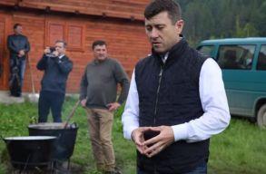 Borboly Csabát háromezer lejre büntették az úzvölgyi élõlánc miatt