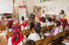 Õsztõl újra a Moldvai Csángómagyarok Szövetsége irányítja a magyar oktatást Moldvában