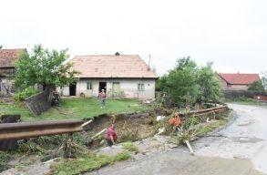 Komoly károkat okozott az árvíz Csíkszentmártonban. Gyûjtenek a károsultaknak