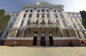 MOGYE-ügy: a magyar tagozat már korábban arról határozott, hogy Paladerõl és Miksolczyról nevezzék el az egyetemet