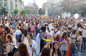 Több ezren vettek részt a Bukarest Pride felvonuláson