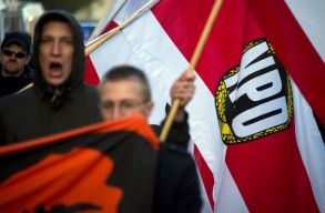 Történelmi csúcsra emelkedett a szélsõjobboldaliak száma Németországban