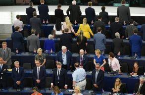 Feszülten indult az új Európai Parlament nyitóülése