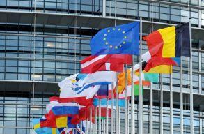 Továbbra is történelmi csúcson az Európai Unió támogatottsága a tagállamokban