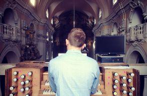 Az orgonán is múlik, hogy milyen zenét enged megszólalni. A KlausenMusik koncertjén jártunk