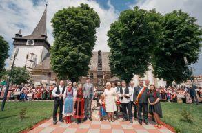 Több mint ötezren ünnepelték a kalotaszegi népviseletet a hétvégén, Bánffyhunyadon
