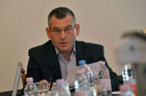 Vitatott körülmények között váltották le Gálfi Árpádot a székelyudvarhelyi MPP élérõl