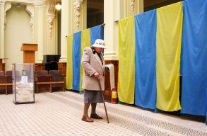 Elõrehozott parlamenti választásokat tartanak Ukrajnában