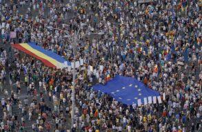 Kormányellenes tüntetést tartottak országszerte. Percrõl percre!