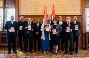 Kallós Zoltán Külhoni Magyarságért Díjban részesültek székelyföldi polgármesterek és a Kincses Kolozsvár Egyesület