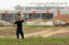Dávid vs. Góliát: Hans Hedrichen hajtaná be a Schweighofer a civilek által elvesztett perek költségeit