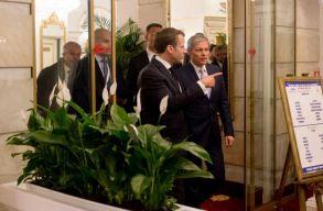 Politico: Macron Kelet-Európán keresztül erõsítené hatalmát az EU-ban