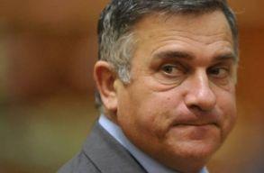Funar bejelentette, hogy indul az elnökválasztáson, de egyéb ostobaságokat is mondott