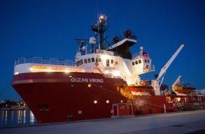 Olaszország: partra szállhatnak az Ocean Vikingen érkezett menekültek