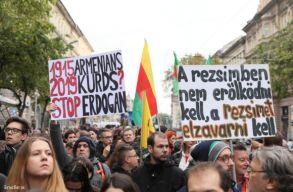 Ezrek tüntettek Erdoğan ellen Budapesten