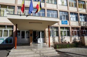 A kolozsvári önkormányzat magyar tagozattal is rendelkezõ iskolát bõvít, és a körgyûrû folytatására is lépéseket tett