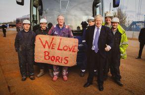 Brit választások: Boris Johnson tarolt, január végén tényleg kiléphetnek az Unióból