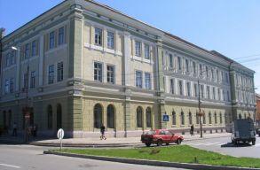 Elképesztõen jól szerepelnek az erdélyi magyar középiskolák a nemzetközi versenyeken