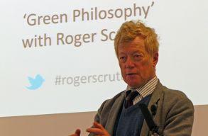 Meghalt Sir Roger Scruton brit filozófus