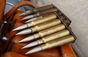 Impozáns fegyvergyûjteményt találtak egy nagyváradi lakásban, miután robbanásban megsérült a tulajdonos