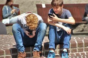 Romániai a legtöbb olyan fiatal, aki egy másik EU-tagállamban él