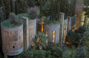 Negyvenöt év alatt építette át a cementgyárat álmai otthonává egy katalán építész