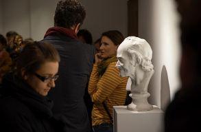 Kiüresítési tervek: a Quadro 21 Galéria ízig-vérig kortárs kiállításán jártunk
