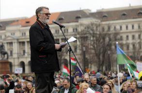 A romák érdekeiért tüntettek civil szervezetek Budapesten