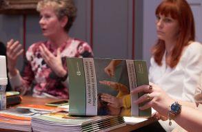 Kiadvány készült az iskolai bántalmazásról: konkrét és gyakorlati tanácsok pedagógusoknak
