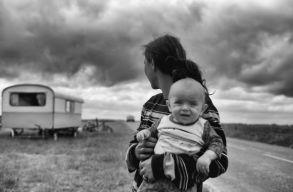 Fejenként 7 ezer eurót kell fizessen 7 romániai romának Franciaország a táboraik evakuálása miatt